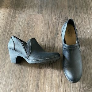 Black cute and comfortable professional heels